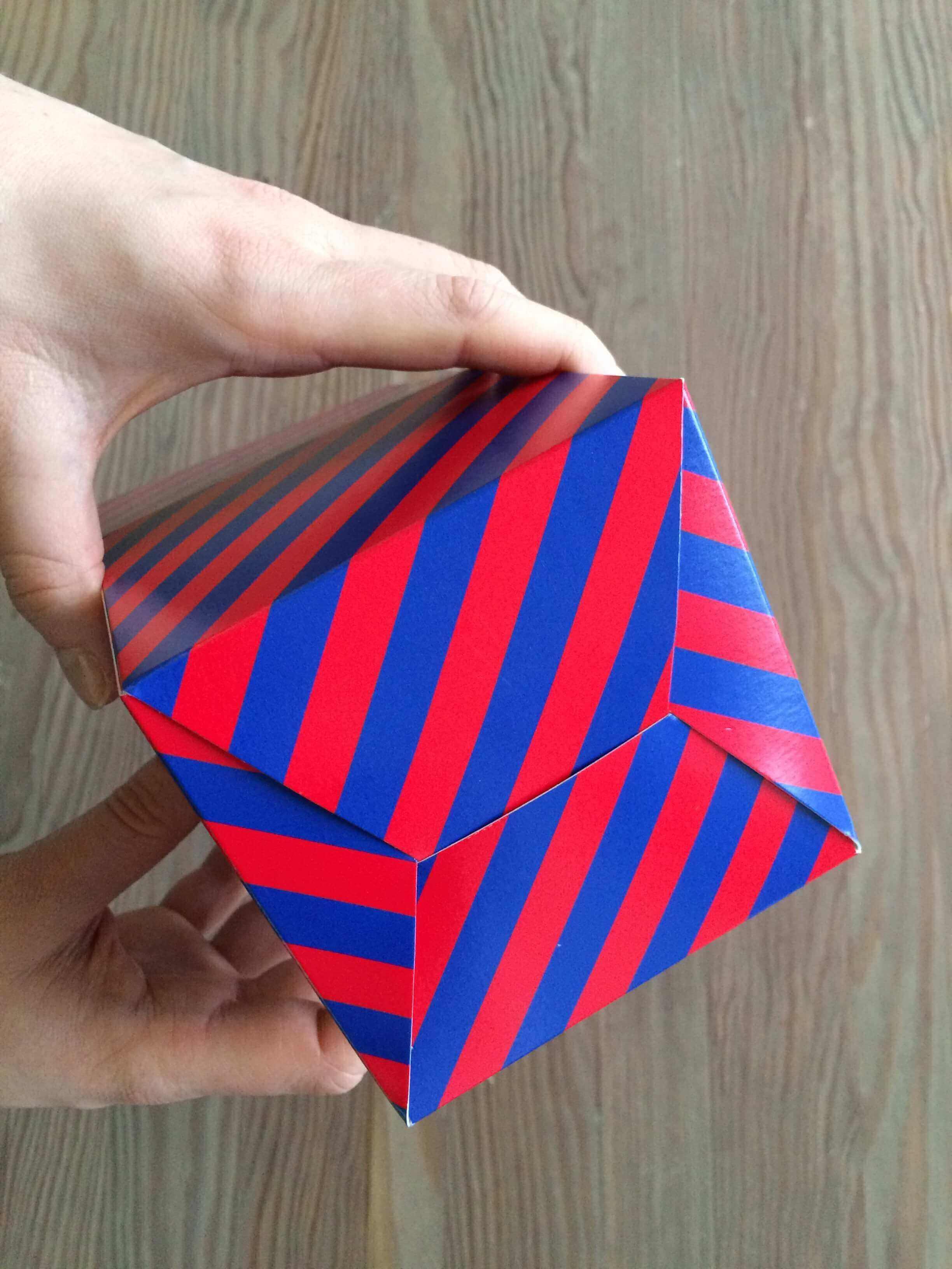 folding product boxes_packhelp_11