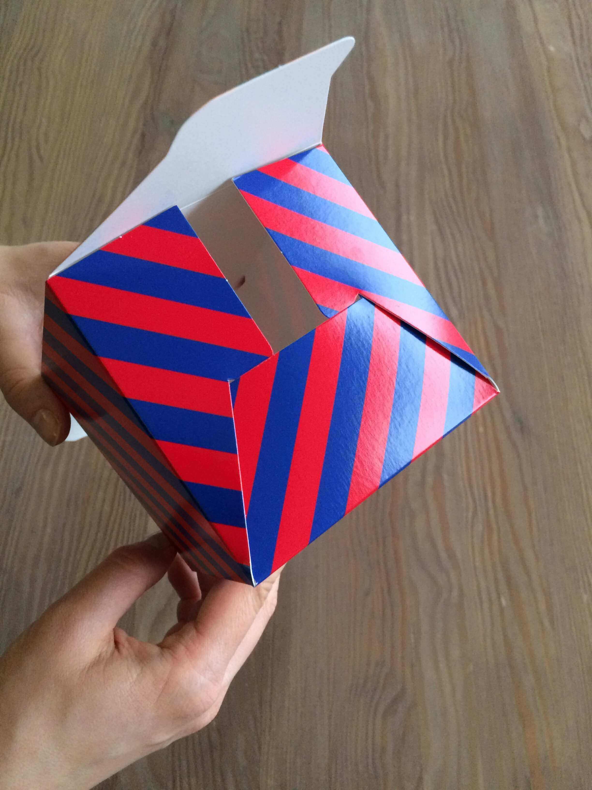 folding product boxes_packhelp_10
