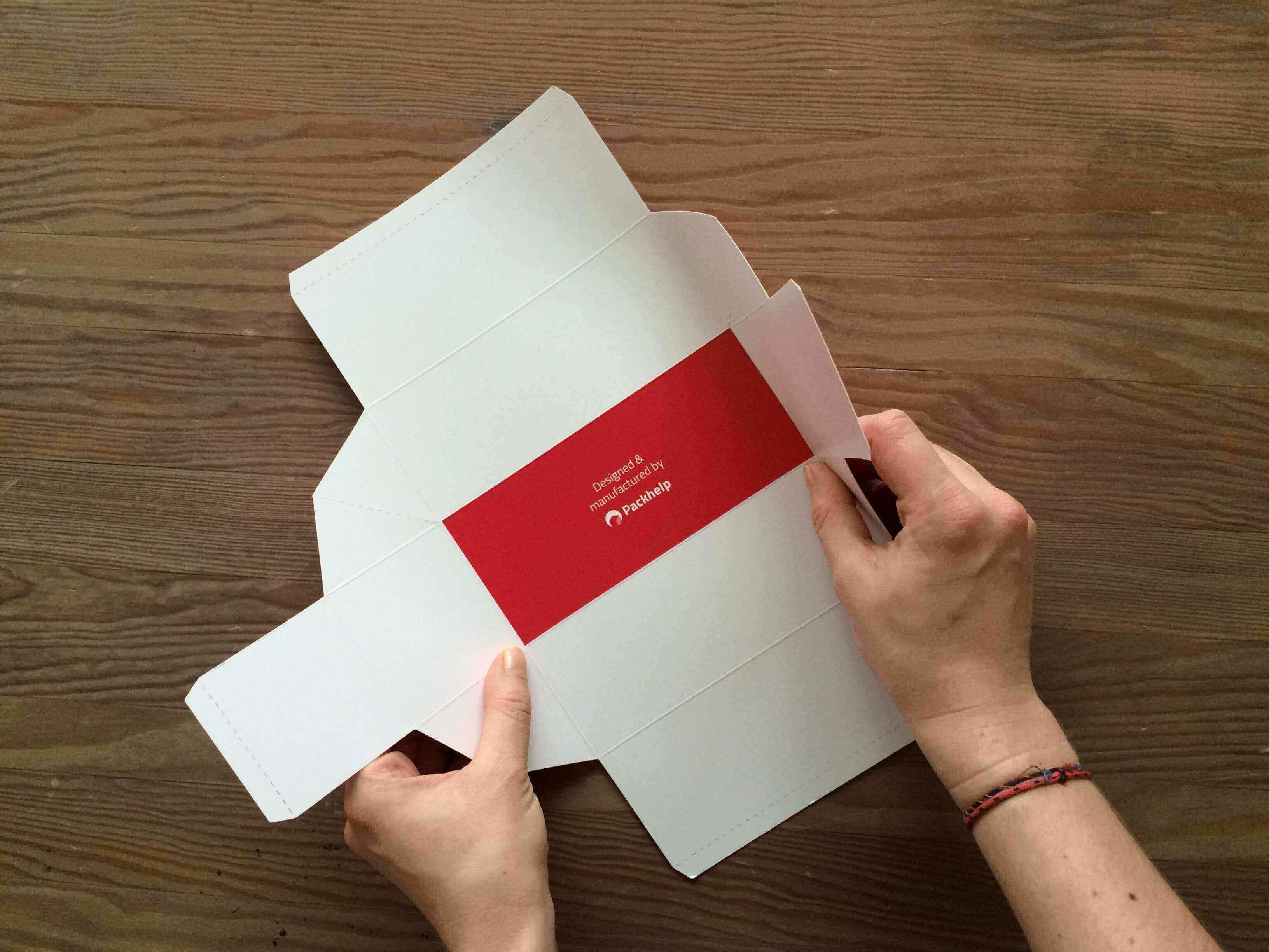 folding product boxes_packhelp_2