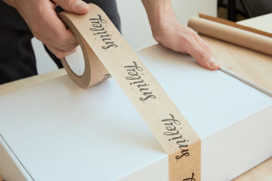 Nastri adesivi kraft personalizzati di Packhelp
