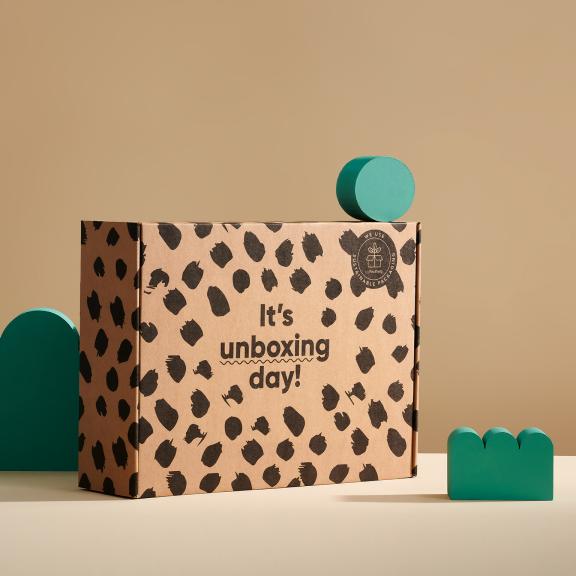Scatola postale eco prestampata con accessori verdi