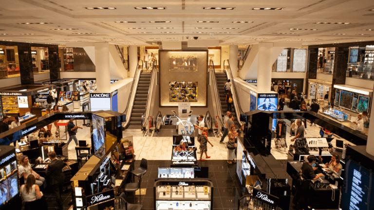 Centrele comerciale revin în forță: 2021 ne găsește la mall