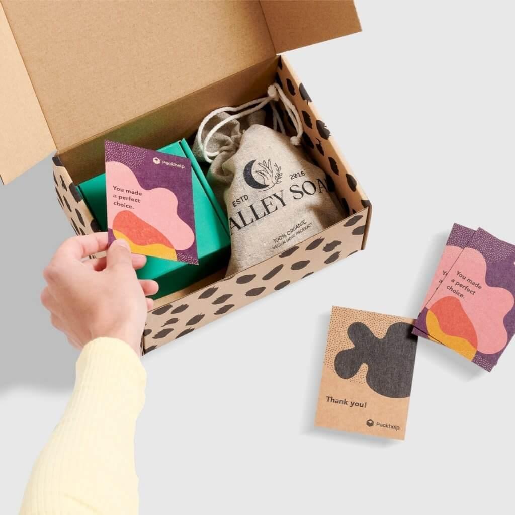 Personalisierte Dankeskarte mit nachhaltigen Verpackungen
